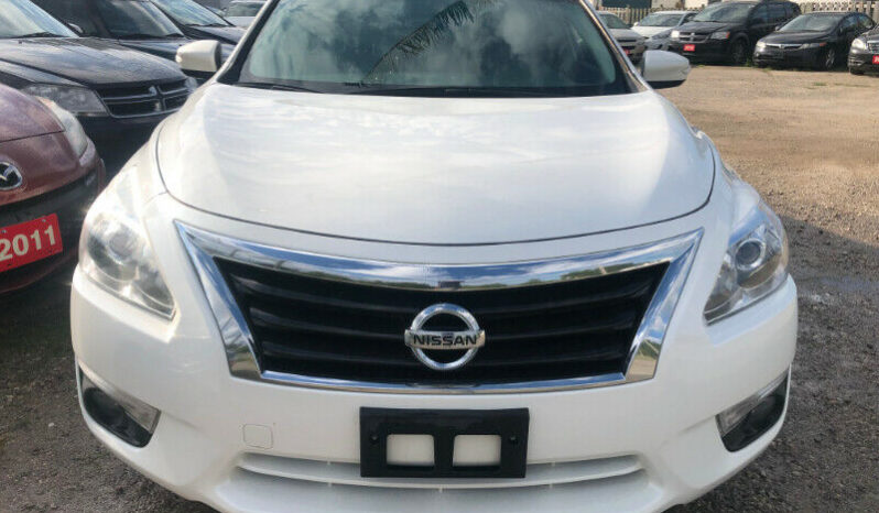2013 Nissan Altima/TOP OF LINE MODEL/Certified/Clean Car-proof full