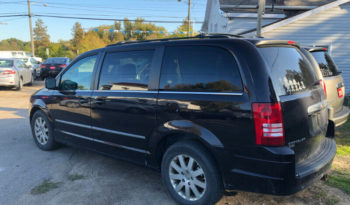 2010 Chrysler Town N Country/Navigation/Leather Heated Seats/Sunroof full